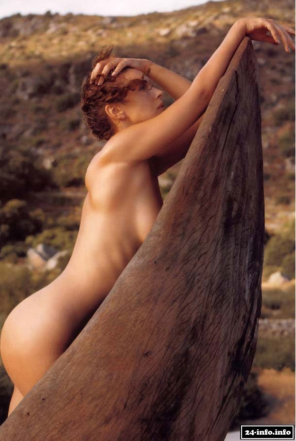 Naked monica — img 8