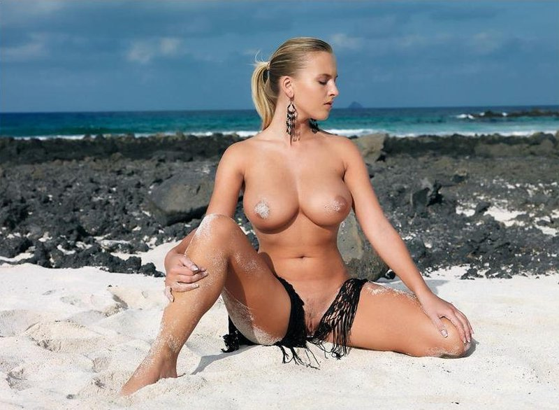 Hot Rachel Strips On The Beach Sexy Porndig 1