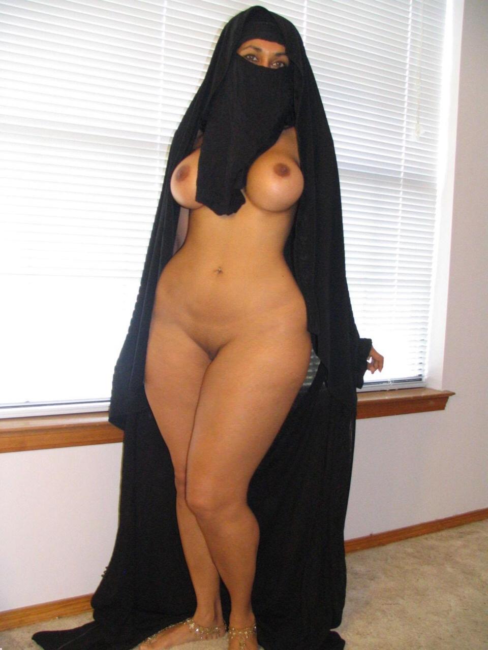 Arabian hijab nude