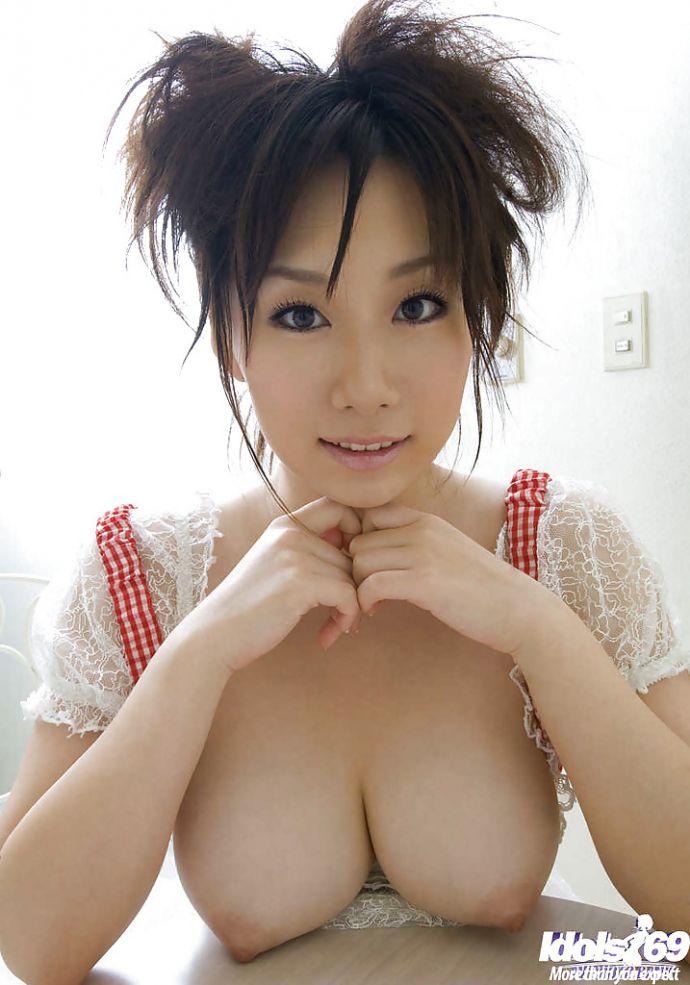 Tai boobs