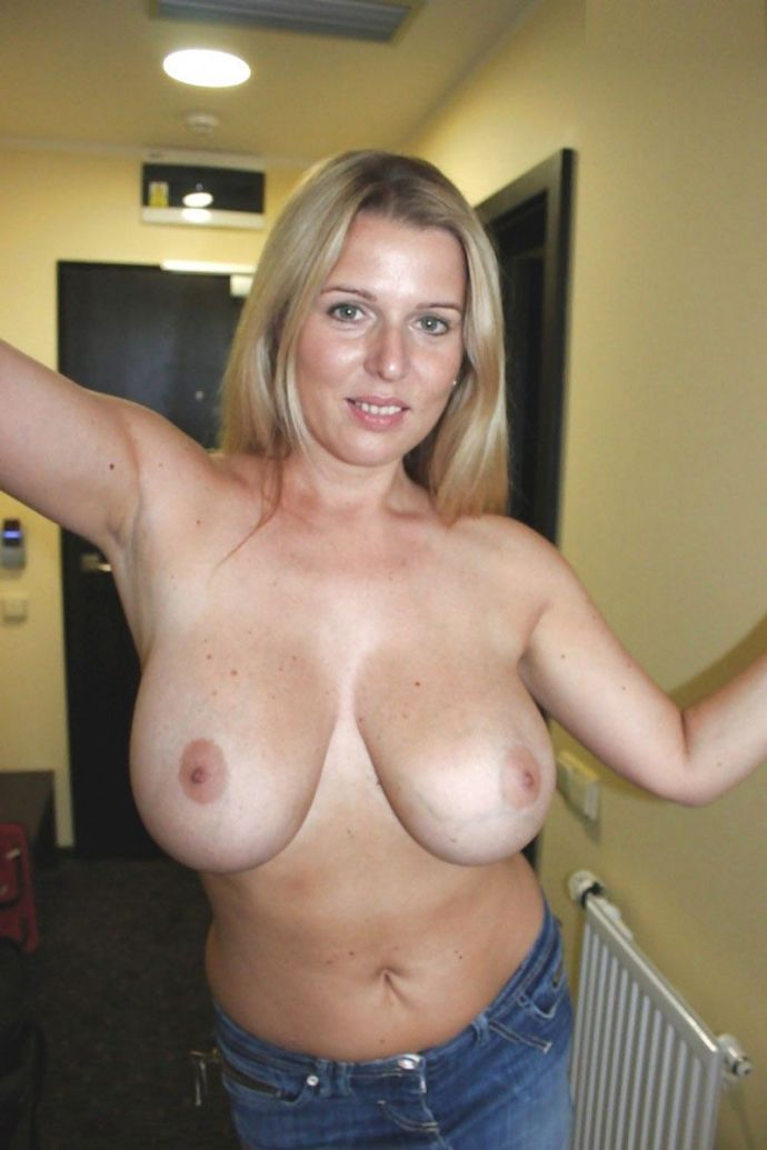 mommy-naked-titties